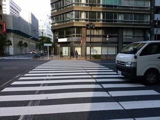 11 平成通りとの交差点.jpg