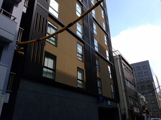 1 裏のホテル.jpg