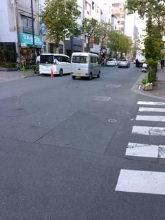 12聖ルカ通り入る東京駅方面へ.jpg