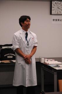 19 H23伊藤先生全身.JPG