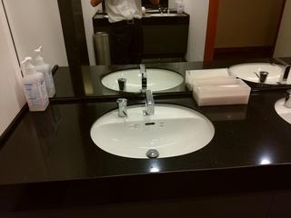 23 施設トイレ.jpg