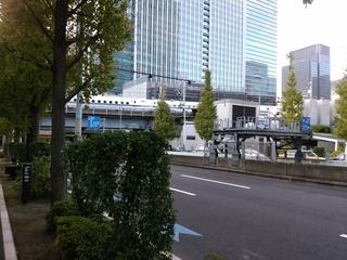 31鍛冶橋通りを真っ直ぐ.jpg