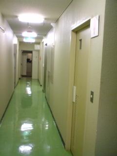 3 H20.2.14 地下1F廊下.JPG