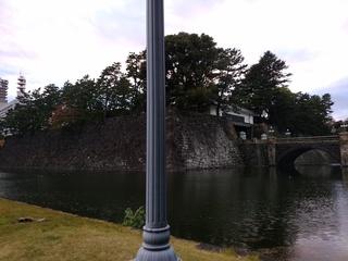 41正門と石垣.jpg