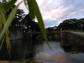 42.5正門石橋と正門.jpg