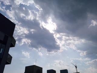 1屋上西の空太陽隠れ.jpg